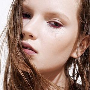 Как изменился макияж и наше отношение к нему — Итоги года на Wonderzine