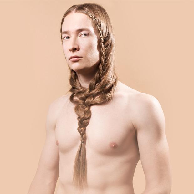 5 причесок под шапку для длинных волос