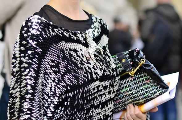 Парень в камуфляже, девушка-Микки-Маус и другие гости Paris Fashion Week — Paris Fashion Week на Wonderzine
