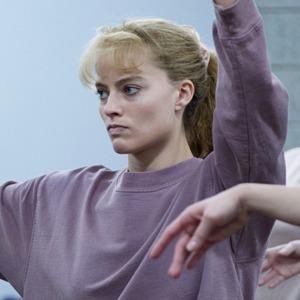 «Тоня против всех»: Марго Робби в роли фигуристки, отчаянно ищущей любовь — Кино на Wonderzine