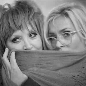 На кого подписаться: Инстаграм-скетчи Аллы Пугачёвой и Лаймы Вайкуле — Музыка на Wonderzine