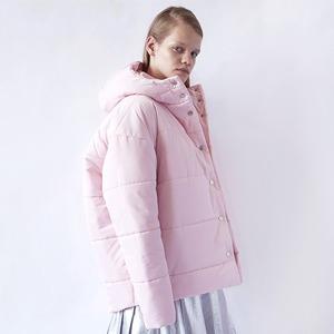 Огромные пуховики: Главная верхняя одежда зимы — Тенденция на Wonderzine