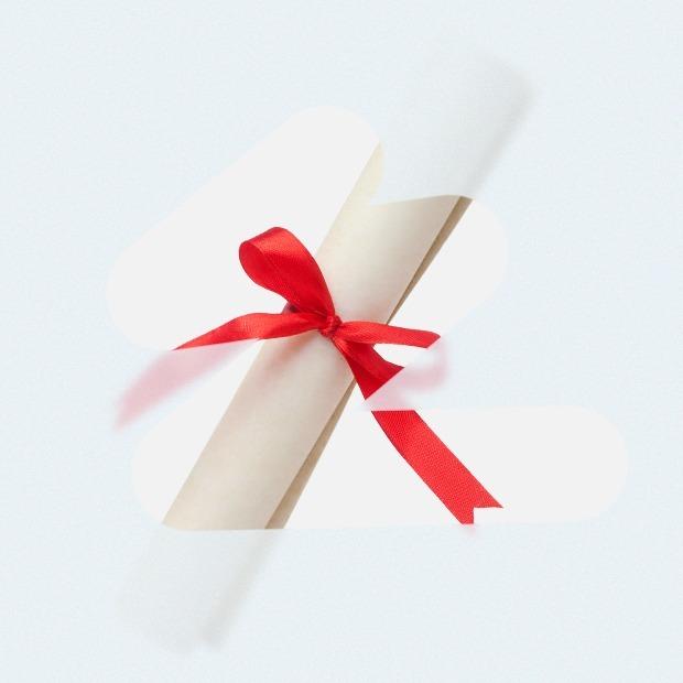 Что класть под ёлку: 8 подарочных сертификатов на онлайн-курсы