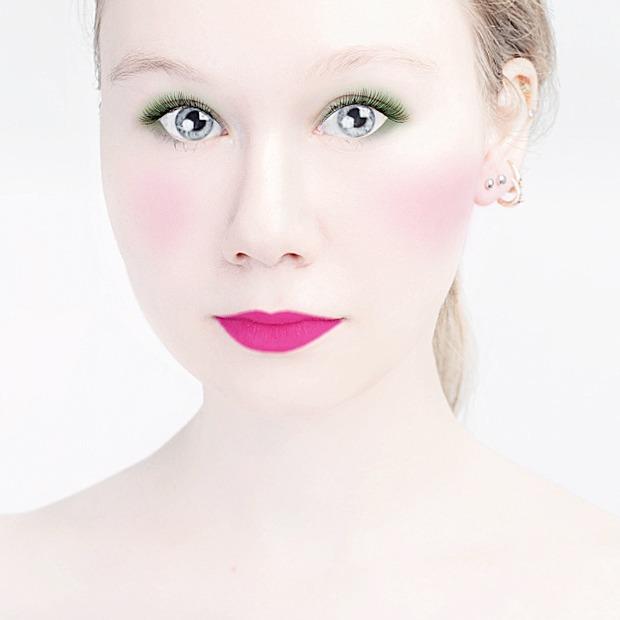 До и после макияжа:  Редакция тестирует  бьюти-приложения