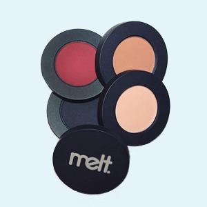 Что нужно знать о декоративной косметике Melt — Как собрать косметичку на Wonderzine