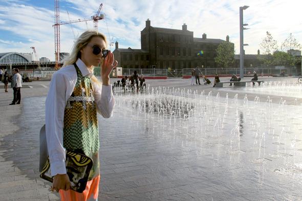 Дневник стилиста: Тесс Йопп о пирожных, 90-х и бегемотах в очках — London Fashion Week  на Wonderzine