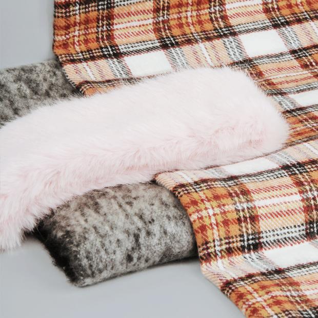 Что купить: 13 теплых шарфов — Съемки на Wonderzine