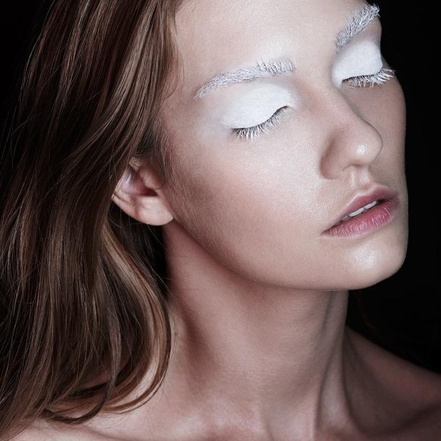 5 вариантов неоготического макияжа