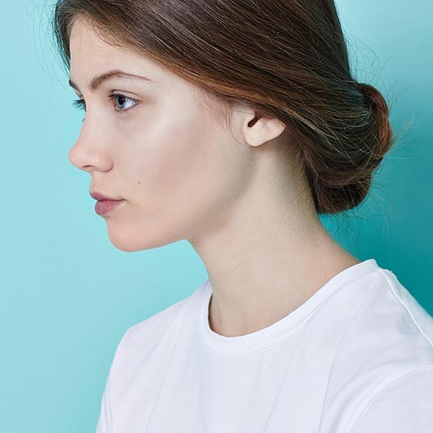 Инструкция:  4 быстрых прически  для прямых волос — Красота на Wonderzine