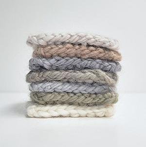 Теплые шерстяные свитеры, шапки и платья Knitbrary — Новая марка на Wonderzine