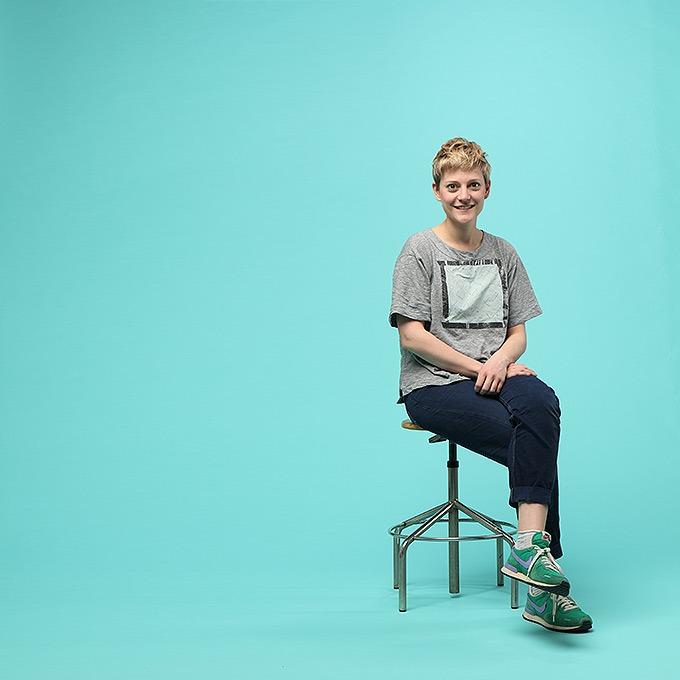 Дизайнер Камилла Кунц:  Мужская одежда, силикон  и мраморный принт — Новая марка на Wonderzine