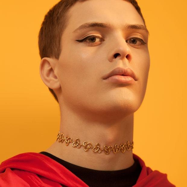 8 модных макияжей, выполненных косметикой  масс-маркета