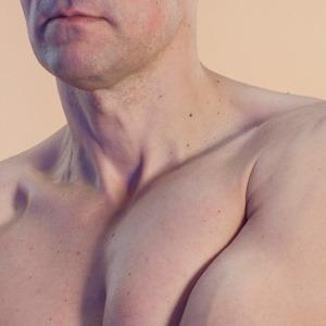 Эдуард Титов о роли идеалов красоты,  возрасте и спорте — Жизнь на Wonderzine