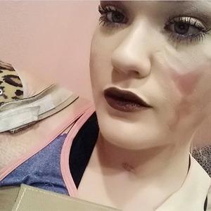 На кого подписаться: Бьюти-блогер с инвалидностью Кейтлин Доброу — Красота на Wonderzine