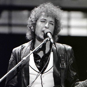 Больше, чем поэт: Почему Боб Дилан заслужил Нобелевскую премию — Мнение на Wonderzine