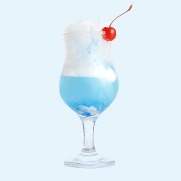 Алкоголь и жара:  Как правильно  выпивать летом — Здоровье на Wonderzine