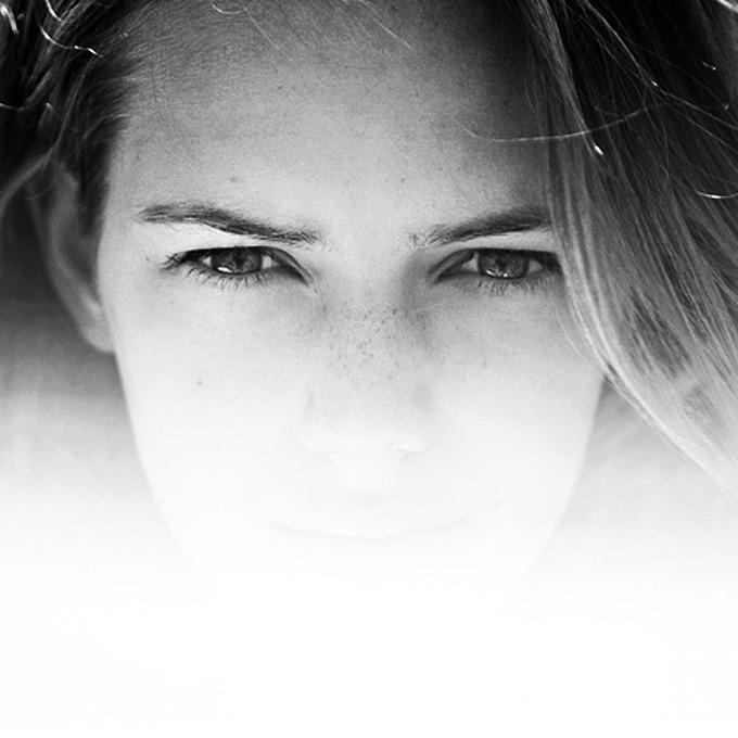 Эстер Хеш, модель — Новая марка на Wonderzine