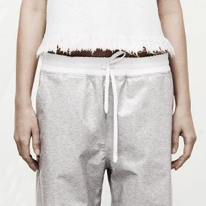 Спортивные брюки  в новых коллекциях — Тенденция на Wonderzine