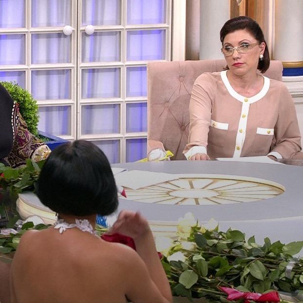 «Умри, но дай»: Чему учат женщин российские ток-шоу