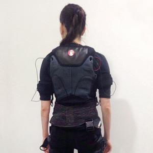 Прокачать все мышцы за 30 минут: Как я попробовала EMS-тренировки