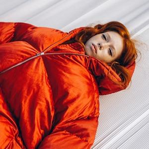 Одесская марка Jealousy: Огромные куртки, худи и платья  — Новая марка на Wonderzine