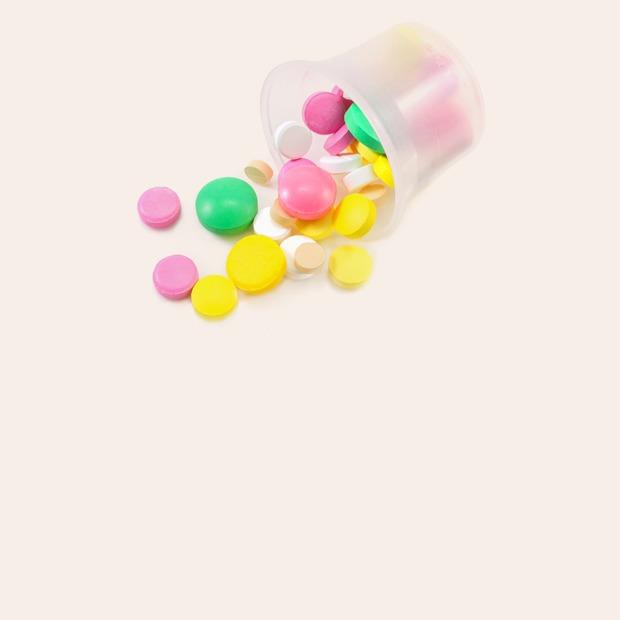 «Ничего нельзя»: Как я живу с аллергией на лекарства — Личный опыт на Wonderzine