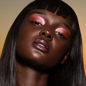 Инклюзивный мейкап: Почему так важно делать косметику для всех — Мнение на Wonderzine