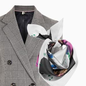 Комбо: Пальто с шёлковым платком