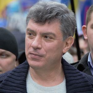 «Давай поцелуемся»: Шесть женских историй о Борисе Немцове — Жизнь на Wonderzine