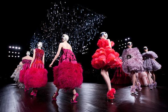 Прямая трансляция с Парижской недели моды: День 8 — Paris Fashion Week на Wonderzine