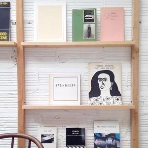 Полежать в гамаке, выпить апероль: 10 классных книжных магазинов мира — Книги на Wonderzine