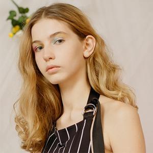 Круизная коллекция Balenciaga в съёмке SVMoscow