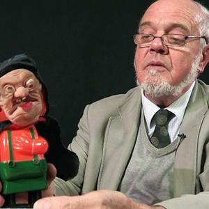 На кого подписаться: Британский коллекционер игрушек — Жизнь на Wonderzine