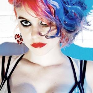 Стилист Анна Тревелян о моделях с улицы и духе времени  — London Fashion Week FW 14 на Wonderzine