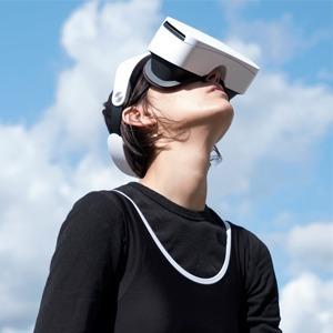 «Я сожгла паспорт в VR-очках»: Катрин Ненашева об акционизме и изоляции — Интервью на Wonderzine