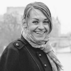 Аньес Мартен-Люган о том, как самостоятельно издать хитовый роман — Интервью на Wonderzine