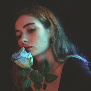 Новое имя: Украинская поп-певица Луна — Музыка на Wonderzine