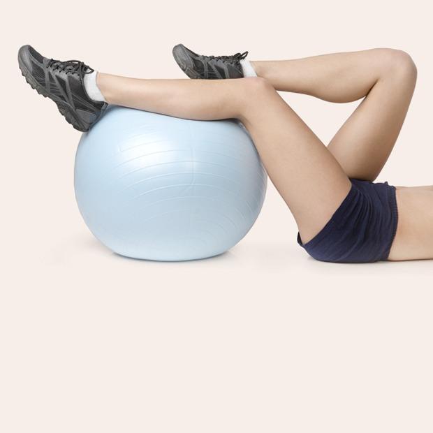 Как взяться за домашние тренировки: Советы и упражнения — Спорт на Wonderzine