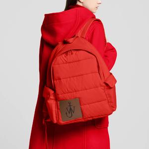 Пузатый рюкзак J.W.Anderson x Uniqlo — Вишлист на Wonderzine