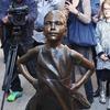 На Уолл-стрит установили памятник «бесстрашной девочке»