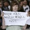 Показ Рика Оуэнса превратился в пикет против (или за) Ангелы Меркель