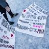 На Дворцовой площади прошёл пародийный пикет пролайферов