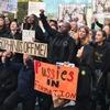 Женщины устроили протестный митинг перед башней Трампа