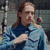 Джемайма Кёрк сыграла мужчину в клипе «Stranger's Kiss»