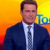 Телеведущий год носил один и тот же костюм ради борьбы с сексизмом