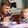 56 % россиян считают,  что за младенцами должны ухаживать матери