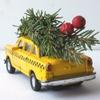 Uber будут бесплатно развозить живые новогодние ёлки