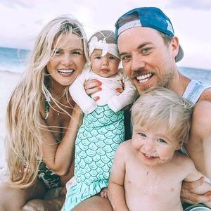 Мама, папа, я:  Как нам продают  образ идеальной семьи