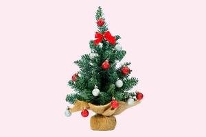 Мэрайя Кэри нарядила ёлку к Рождеству. В октябре