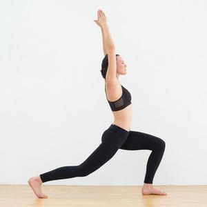 Фитнес-йога: Упражнения для пресса, бёдер и не только